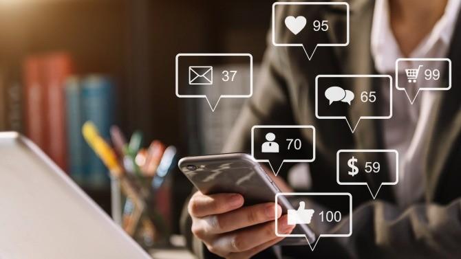 """Réussir son business en ligne est un défi et la marque un atout stratégique. Ce n'est un secret pour personne, il est impossible de nos jours d'avoir un business sans être présent sur le Web. Mais le plus important, c'est de contrôler sa présence sur le Web et se différencier. Le """".marque"""" permet de créer un espace de communication propriétaire et authentique tout en créant de la valeur."""