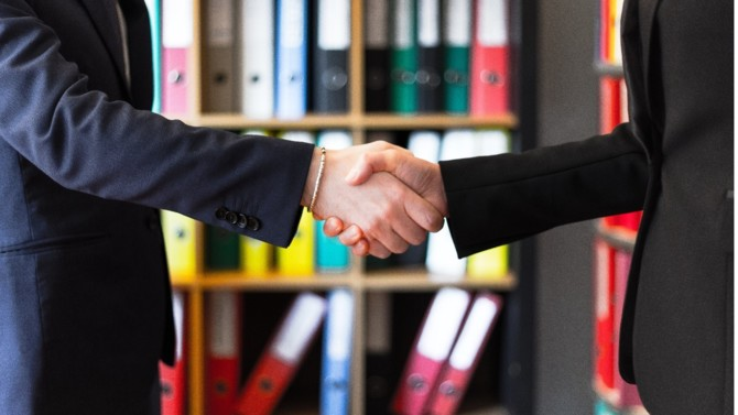Cholet Dupont a annoncé le 4 juin dernier l'acquisition de la totalité du groupe Oudart, cédé par EFG International. Ce rapprochement devrait permettre aux deux entités, spécialisées dans la gestion d'actifs et le conseil patrimonial, de se positionner en acteur de référence.