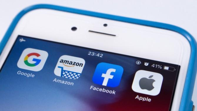 Des projets de lois visant à instaurer davantage de concurrence ont été dévoilés en fin de semaine dernière. Apple, Amazon ou encore Google pourraient avoir à céder des activités si ces textes devaient entrer en vigueur.
