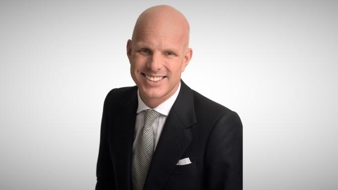 Actuellement responsable du département corporate du bureau parisien d'Eversheds Sutherland, Éric Knai se voit confier la direction de la pratique M&A à l'international.