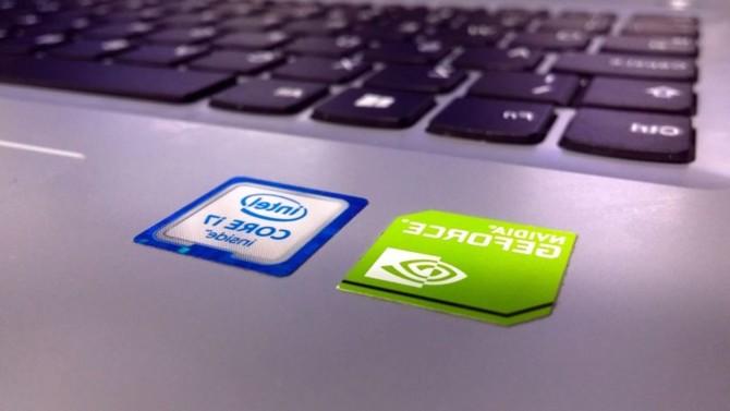 Le fabricant américain de semi-conducteurs envisagerait de racheter les anciennes fonderies de son concurrent AMD. En parallèle, le groupe souhaite se développer en Europe et prévoit pour ce faire de mettre 20 milliards de dollars sur la table.