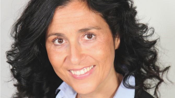 """L'augmentation du pouvoir économique des femmes a été considérable ces dernières années. Elles sont de plus en plus influentes en matière d'économie et accèdent dorénavant à des postes hauts placés. Si la parité ne constitue pas toujours une réalité dans certains pays, des femmes réussissent néanmoins à briser le """"plafond de verre"""" et à s'affirmer. Entretien avec Anna Gozlan, associée fondatrice chez Kermony Office."""