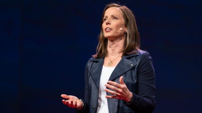 Depuis qu'elle a pris la tête du Nasdaq en 2017, Adena Friedman en diversifie les activités. Elle mise sur les données et les nouvelles technologies en complément des métiers boursiers traditionnels. Portrait d'une femme influente dans le monde de la tech.