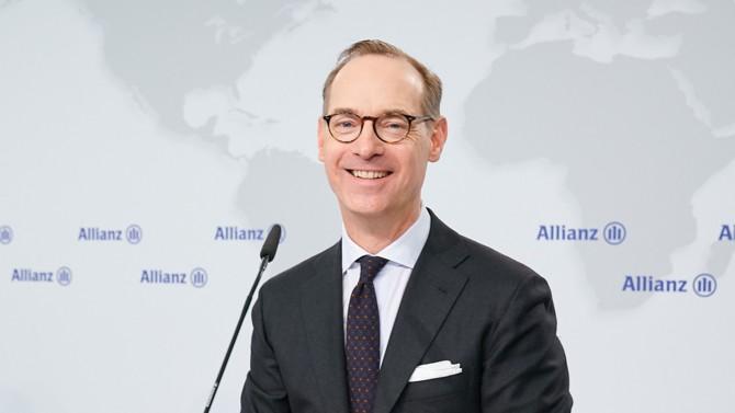 PDG d'Allianz depuis 2014, Oliver Bäte poursuit l'expansion de son groupe d'assurance en Europe et en Afrique de l'Est.  Très impliqué sur les sujets climatiques, le patron incarne la stabilité de son entreprise dans le temps,  laquelle passera notamment par la protection de l'environnement.