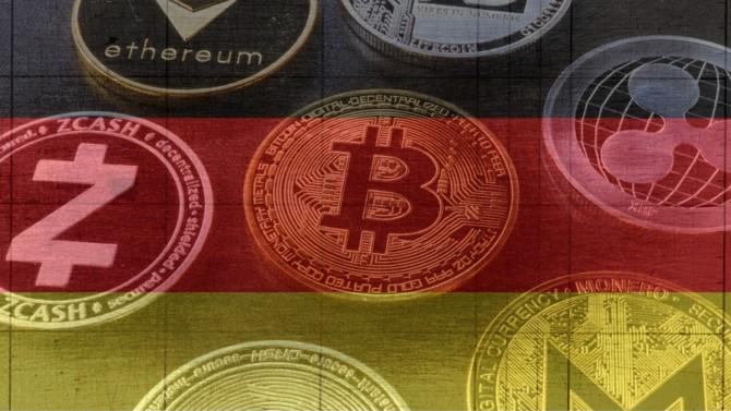 En acceptant que les « Spezialfonds » détiennent jusqu'à 20 % de cryptomonnaies dans leurs portefeuilles, l'Allemagne prend les devants sur leur régulation. La loi passée en juillet et mise en application le 2 août 2021 ouvre la voie à une adoption institutionnelle du Bitcoin et autres actifs numériques.