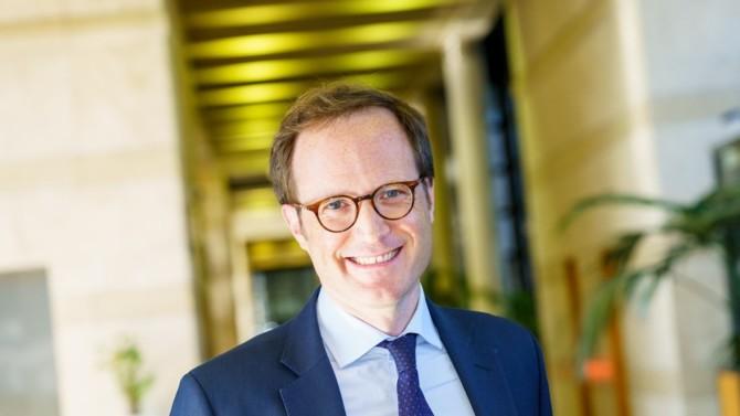 Plus transparent et plus exigeant, le label ISR se renouvelle. Pierre Chabrol, Sous-directeur du financement des entreprises et du marché financier et marché financier à la Direction Générale du Trésor, nous décrit les évolutions et les perspectives d'un label qui fête ses 5 ans en 2021.