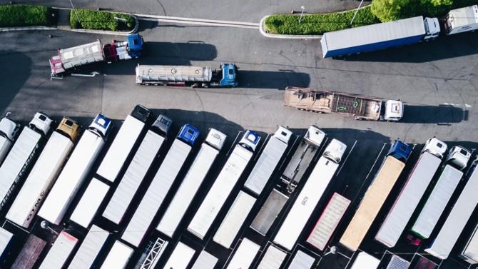 Le 9 septembre, l'Autorité de la concurrence française (ADLC) a condamné une Bourse de fret, un groupement de transporteurs et des organisations syndicales pour avoir boycotté et appelé à boycotter de nouvelles plateformes numériques d'intermédiation et un nouveau logiciel de traçabilité. Le montant total de la sanction partagée entre les entreprises concernées s'élève à 500 000 euros.