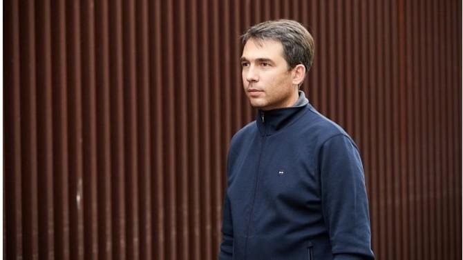 Ingénieur de formation, Cédric Cartau a exercé dans le privé avant d'entrer au CHU de Reims en 1999comme ingénieur spécialiste système et sécurité. Nommé responsable de département de 2004 à 2009 au CHU de Rennes, il rejoint ensuite celui de Nantes en tant queResponsable Sécurité des Systèmes d'Information (RSSI) et DPO.