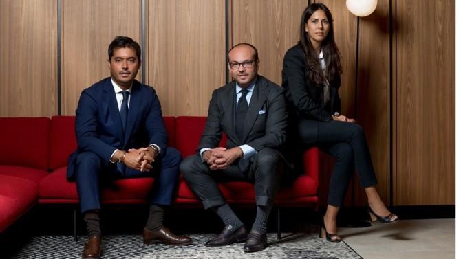 August Debouzy poursuit sa stratégie de croissance avec le lancement d'une pratique consacrée à l'industrie immobilière. Guillaume Aubatier rejoint à cette occasion le cabinet en qualité d'associé, accompagné de Dorian Scemama, counsel, et de Malvina Dahan, collaboratrice.