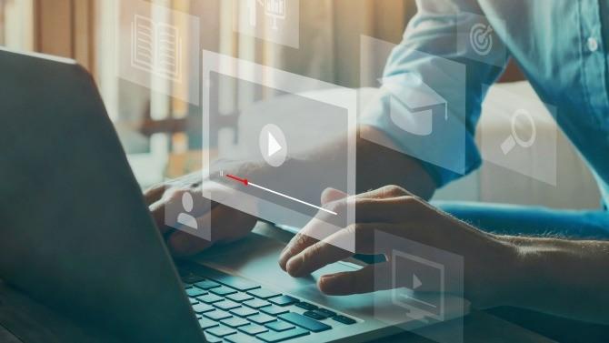 Skema Business School et Mines ParisTech / PLS Executive Education s'associent dans la création d'un programme de formation en ligne certifiant en data science et intelligence artificielle for business.