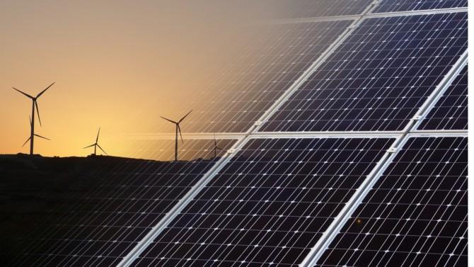 """Alors que la COP 26 de Glasgow doit s'ouvrir fin octobre, l'Agence internationale de l'énergie accélère la sortie de son rapport annuel : le Word Energy Outlook (WEO), habituellement publié en novembre. Une manière de mettre la pression sur les États dont les engagements ne sont toujours pas à la hauteur de l'objectif """"zéro émission nette"""" (NZE) en 2050."""