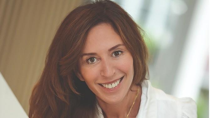 Hewlett Packard, multinationale comptant 1500 collaborateurs en France, vient de signer un accord relatif au télétravail. Catherine Schilansky, DRH France et Europe du Nord, raconte comment celui-ci s'inscrit dans la recherche du bien-être au travail constituant un vecteur de performance collective.
