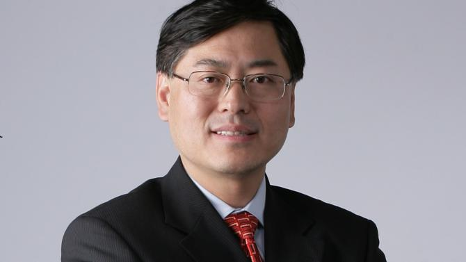 """It isn't easy to have both vision and power of execution, but Yuanqing Yang is one such rare leader. Since 2001, he has led Lenovo to become a true international company. Discreet in appearance, Yang is an ambitious strategist who believes that """"being number one is important, because nobody can name the world's second highest mountain."""""""