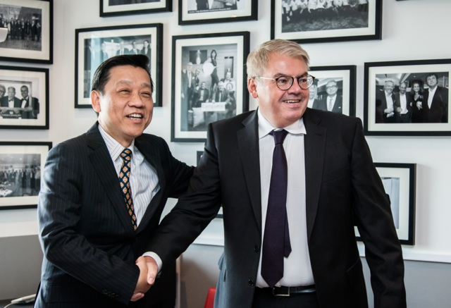Jin Jiang finalized its purchase of Louvre Hotels