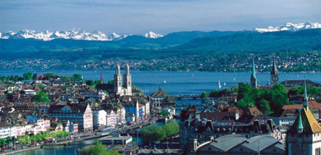 Law Firms in Switzerland: Mediating Banks out of Secrecy