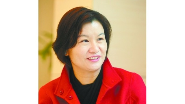 Zhou Qunfei: from a Village Girl to the World's Richest Female Self-starter