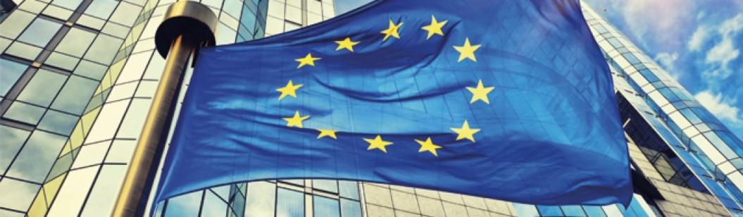 Les élections européennes de mai 2019 approchent à grands pas. Pour l'Union européenne et pour la Commission Juncker en place depuis novembre 2014, l'heure est au bilan. Et celui-ci est positif. Défense, social, commerce, budget, recherche… Portée par un couple franco-allemand actif et réaliste, l'UE avance pas à pas. Un travail de l'ombre qui n'est pas toujours mis en lumière. Il permet pourtant au Vieux Continent de rivaliser avec les États-Unis et la Chine sur bien des sujets. Une tendance qui devrait se poursuivre malgré le Brexit. Décideurs se penche sur les grandes avancées de l'UE.